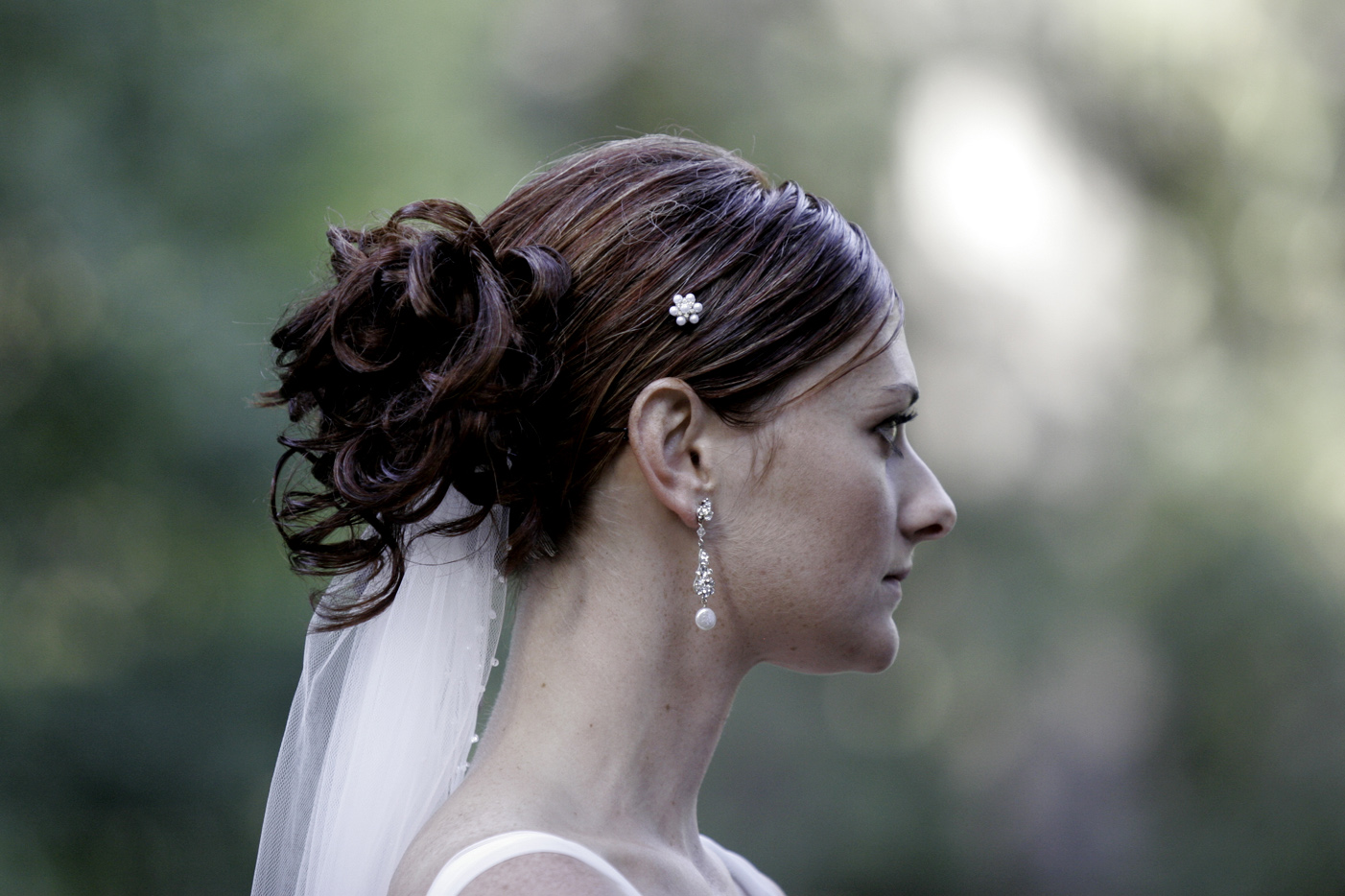 I know this is about the men, but take note at the bride's beautiful earrings by Erin Cole purchased at White Couture.  Her groom surprised  her and shopped with us just before their wedding day.  Don't you love romantic men?