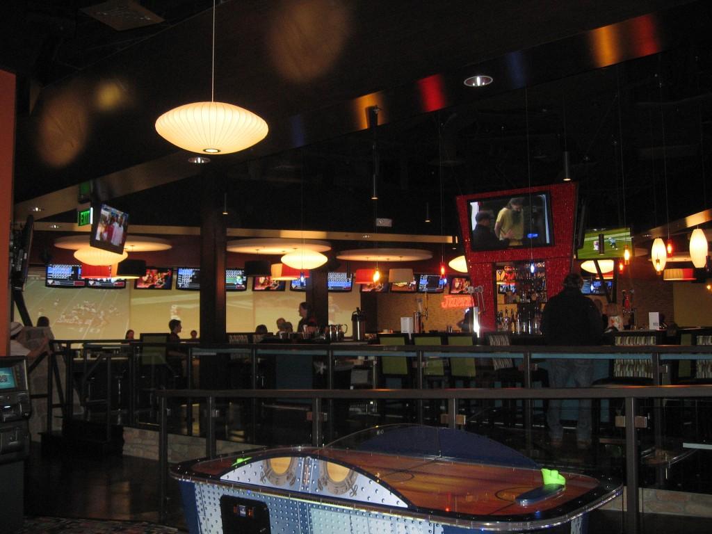 A beautiful lounge offers a full bar men