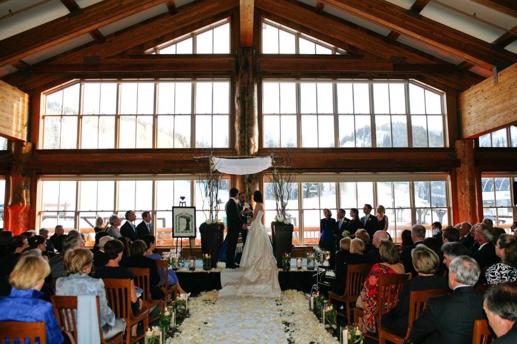 Winter Is An Incredible Time In Park City Utah And The Deer Valley Areas Such Ropriate Place To Have A Wedding Ceremony If You Are Avid Skier
