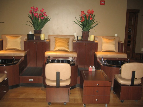 Five pedicure stations