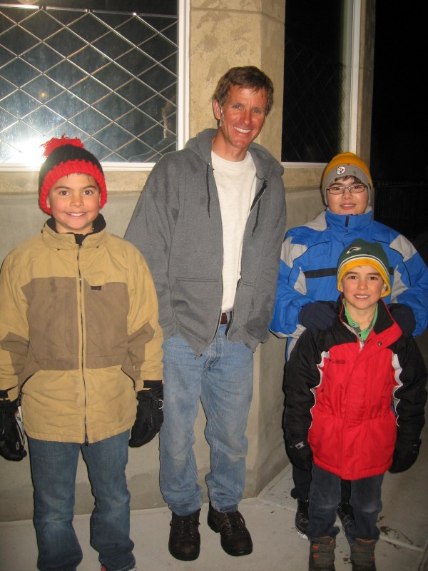 Ice Sculpture Brent Christiansen with a few fans (my kids)